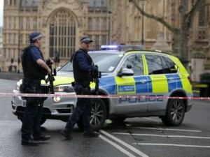 Britain_police-armed